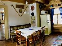 Výminek -kuchyně - chalupa k pronájmu Karolinka