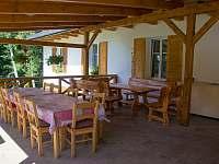 Venkovní terasa - pronájem chaty Ostravice