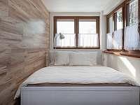 Ložnice manželská postel +přistýlky