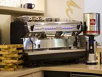 Kávovar - káva Illy - Vsetín