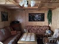 obývací pokoj - chalupa k pronájmu Písečná