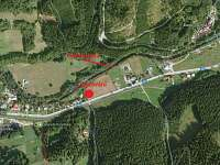 Chalupa v Karolince, mapa s chalupou, vlekem a cyklostezkou