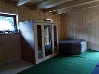 Chalupa v Karolince, sauna + vířivka