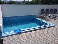 Bazén - apartmán ubytování Dolní Lomná