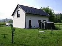Zahrada - apartmán k pronajmutí Dolní Lomná