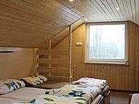 Podkrovní ložnice 4postele+gauč