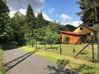 Pohled na chatu z cyklostezky - pronájem Dolní Bečva