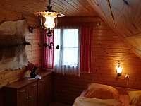 Jedna z ložnic v patře - Ostravice