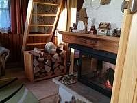 Krb vytapí i 3 ložnice v poschodí - pronájem chaty Ostravice