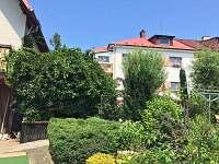 okrasna zahrada - apartmán ubytování Zubří