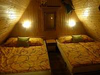 Ložnice 1 - pronájem chaty Dolní Lomná