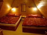Ložnice 2 - chata ubytování Dolní Lomná