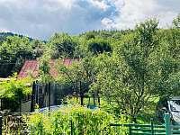 pohled od silnice - Valašská Bystřice
