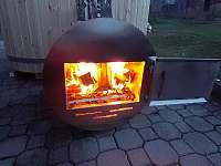 Koupací sud - topení - chalupa ubytování Nový Hrozenkov