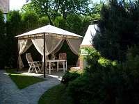 zahradní altánek - apartmán ubytování Rožnov pod Radhoštěm
