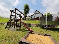 dětské hřiště - pronájem chalupy Lhotka pod Ondřejníkem