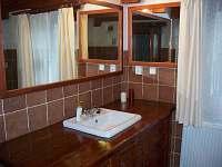 koupelna přízemí - chalupa k pronajmutí Lhotka pod Ondřejníkem