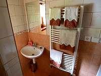 koupelna - západ - chalupa k pronájmu Lhotka pod Ondřejníkem