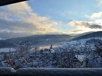 vyhled z terasy,obyvaku - chata k pronajmutí Hutisko-Solanec