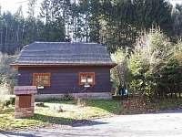 Dům zepředu - chalupa ubytování Velké Karlovice