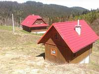 Je možné přikoupit soukromé ubytování v domečku pro 4 osoby.