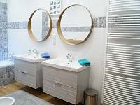 Apartmán II - koupelna - pronájem Terezín