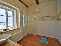 Horní koupelna se sprchovým koutem - Velká Javorská