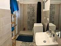Apartmán v přízemí - koupelna - rekreační dům k pronajmutí Libochovice