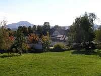 Pohled na objekt ze zahrady