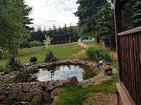 Okrasná zahrada - chalupa k pronajmutí Nečemice