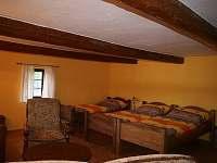 3-lůžkový pokoj v patře