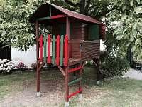 venkovní domeček pro nejmenší