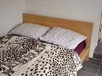 ložnička - dvoulůžko - apartmán k pronajmutí Chotěšov pod Házmburkem