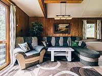 obývací pokoj - pronájem chaty Kyjov u Krásné Lípy