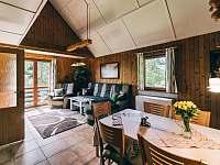 obývací pokoj - chata k pronájmu Kyjov u Krásné Lípy