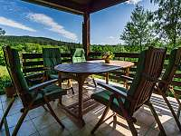 venkovní terasa - chata k pronajmutí Kyjov u Krásné Lípy