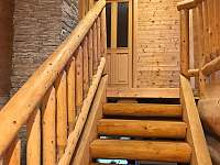 schodiště - srub ubytování Horní Podluží