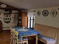 Apartmán - kuchyň s jídelnou - chalupa ubytování Krásná Lípa