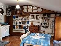 Apartmán - kuchyň s jídelnou - chalupa k pronájmu Krásná Lípa