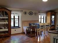 Apartmán - kuchyň s jídelnou - chalupa k pronajmutí Krásná Lípa
