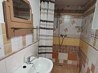 Romantický pokoj - koupelna - chalupa k pronajmutí Krásná Lípa