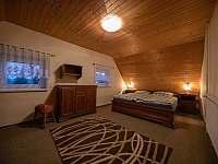 pokoj s velkou postelí 180 cm - Jiřetína pod Jedlovou