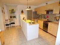 AP přízemí kuchyň - pronájem apartmánu Staré Křečany