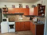 Plně vybavená kuchyňská linka - apartmán k pronajmutí Staré Křečany