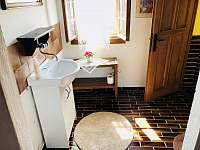 Koupelna v patře - chalupa k pronajmutí Všemily