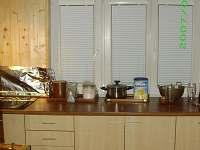 Nova kuchynka (jeste neuklizena:-))