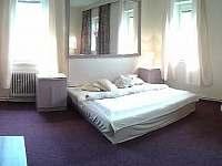 Apartmán Via ferrata hlavní pokoj - Hřensko