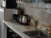Kuchyň - chalupa k pronajmutí Krásná Lípa