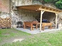 Pergola, gril, dřevo... - chata k pronájmu Huntířov - Nová Oleška