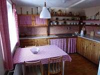 kuchyň - chata k pronájmu Růžová